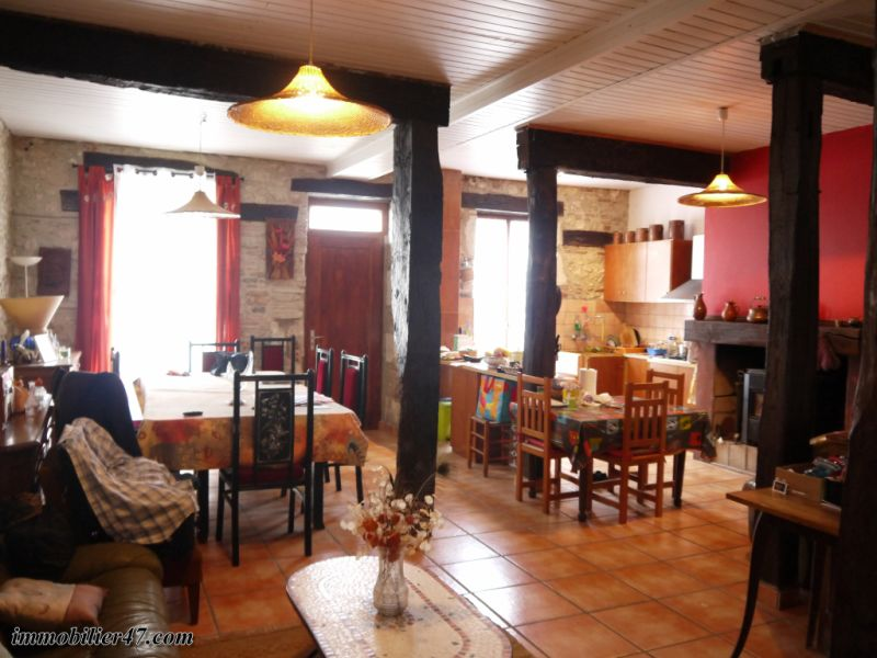 Verkoop  huis Monclar 149900€ - Foto 5