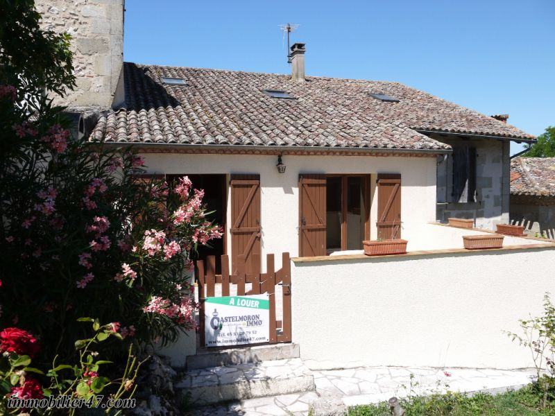 Location maison / villa Montastruc 550€ +CH - Photo 1