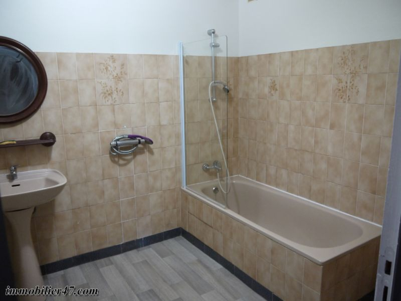 Location maison / villa Montastruc 550€ +CH - Photo 12