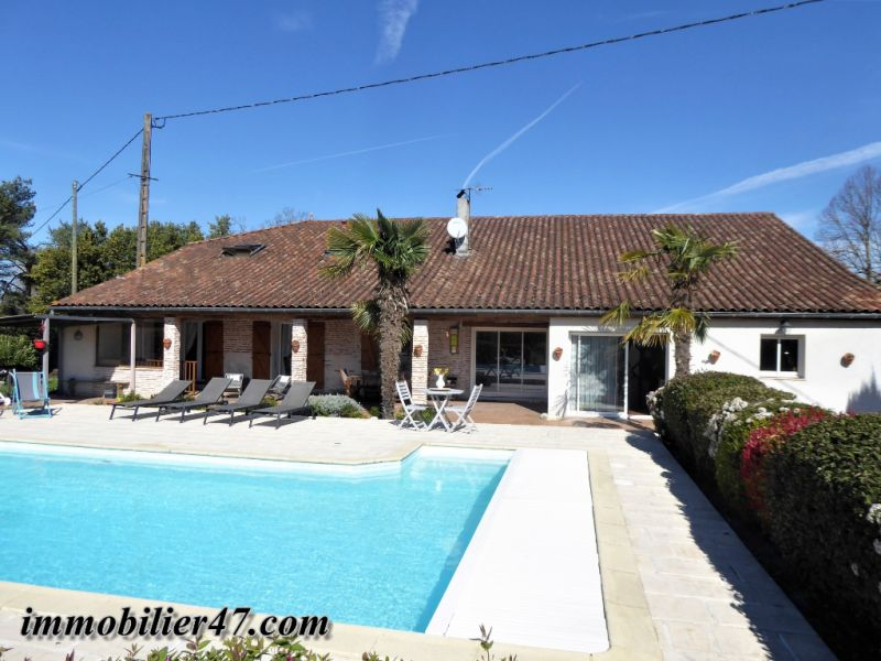 Sale house / villa Sainte livrade sur lot 399 000€ - Picture 1