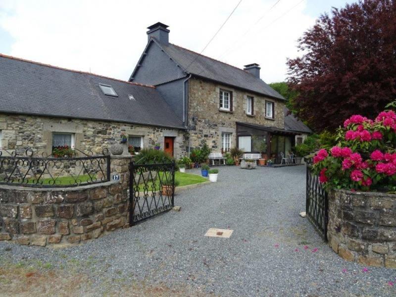 Sale house / villa Bourbriac 225000€ - Picture 1