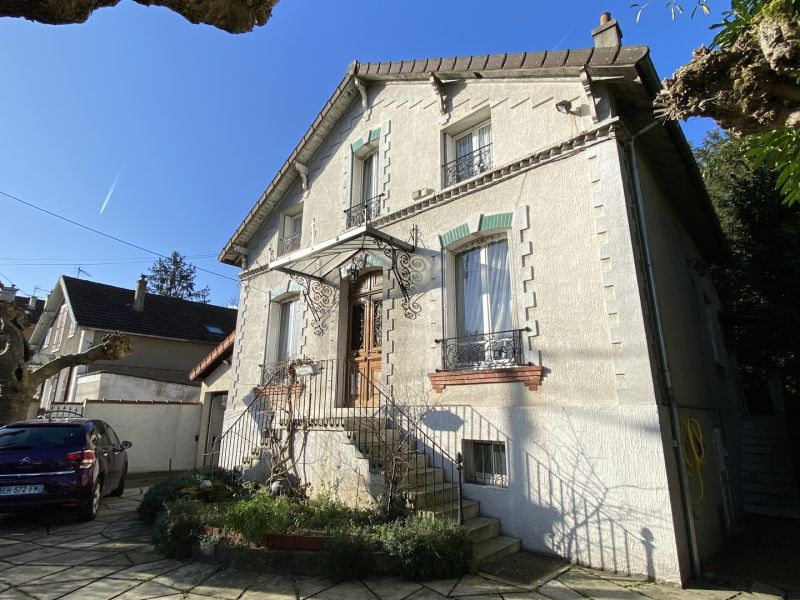 Sale house / villa Gagny 649000€ - Picture 1