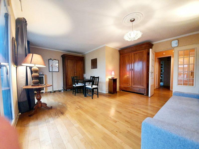 Sale apartment Livry-gargan 210000€ - Picture 2