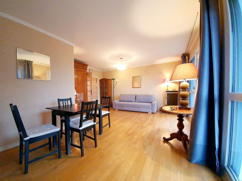 Sale apartment Livry-gargan 210000€ - Picture 1