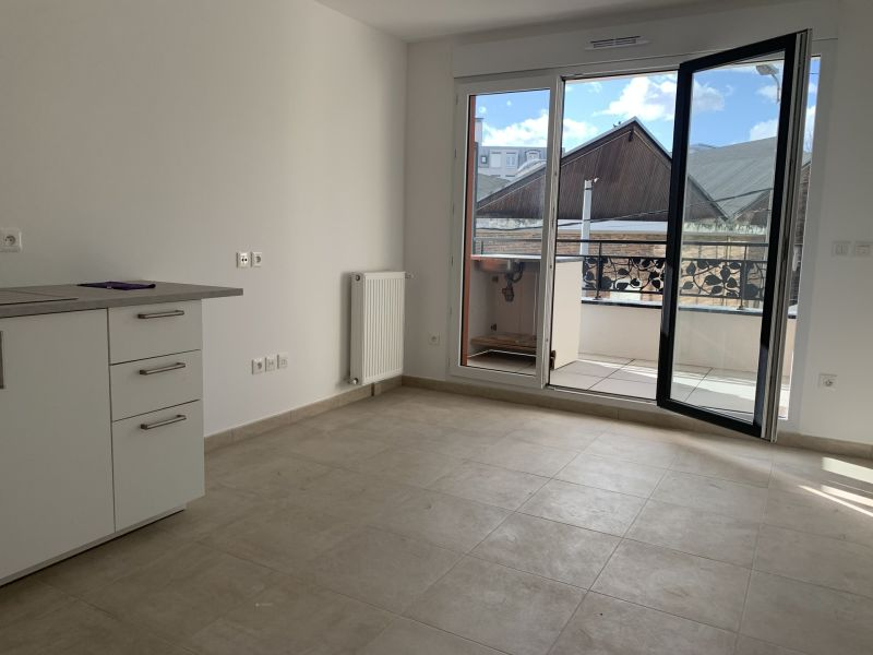 Sale apartment Gagny 179 000€ - Picture 1