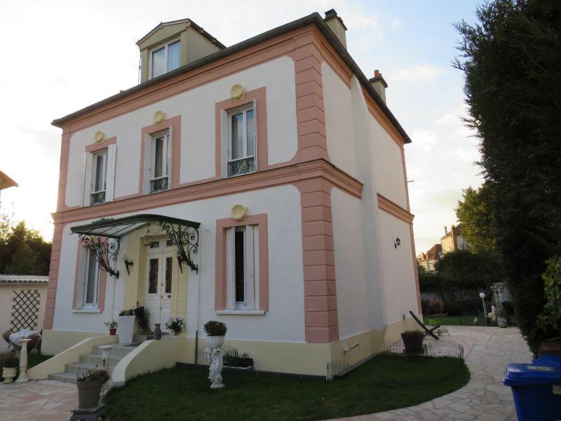 Sale house / villa Le raincy 875000€ - Picture 1