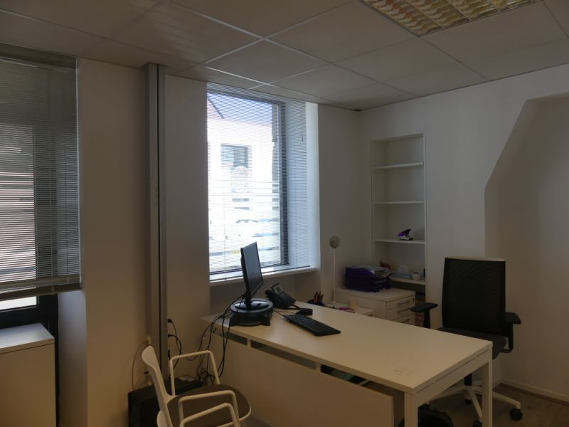 Rental empty room/storage Pont l abbe 756,24€ HC - Picture 3