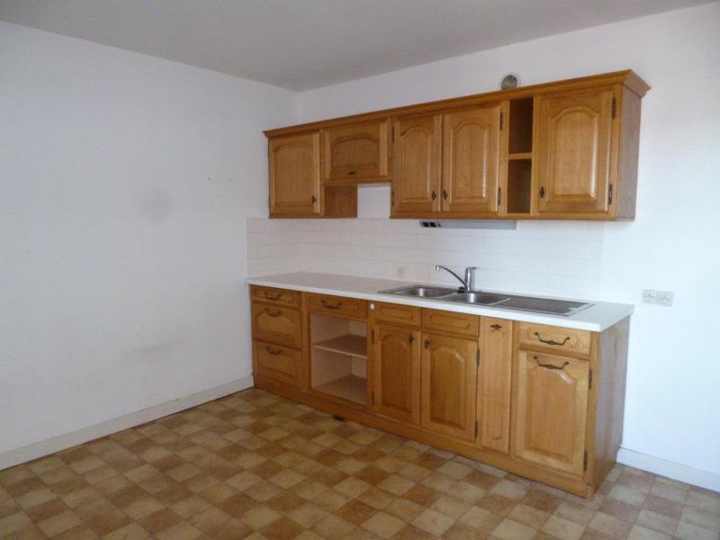 Location appartement Amplepuis 590€ CC - Photo 1
