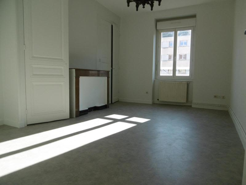 Location appartement Tarare 431,29€ CC - Photo 1