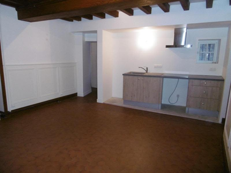 Location maison / villa Bully 850€ CC - Photo 2