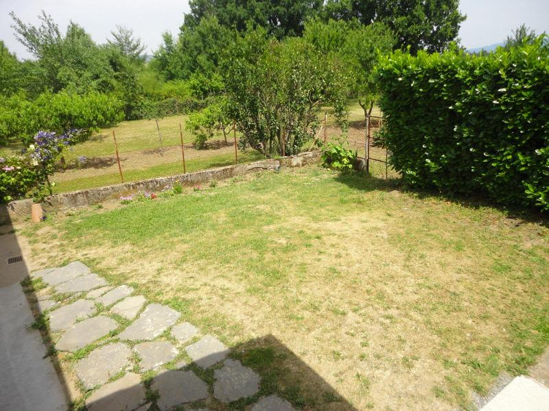 Location maison / villa Nuelles 710€ CC - Photo 2