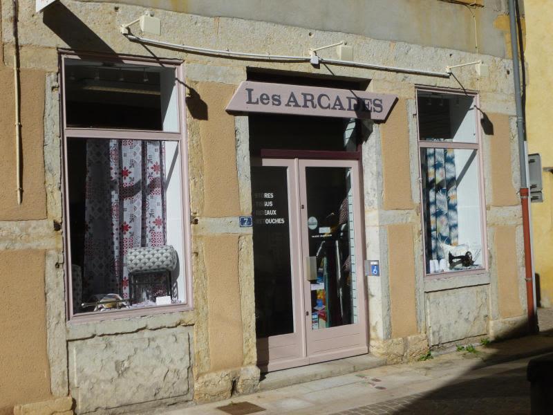 Location local commercial L'arbresle 470€ HC - Photo 3