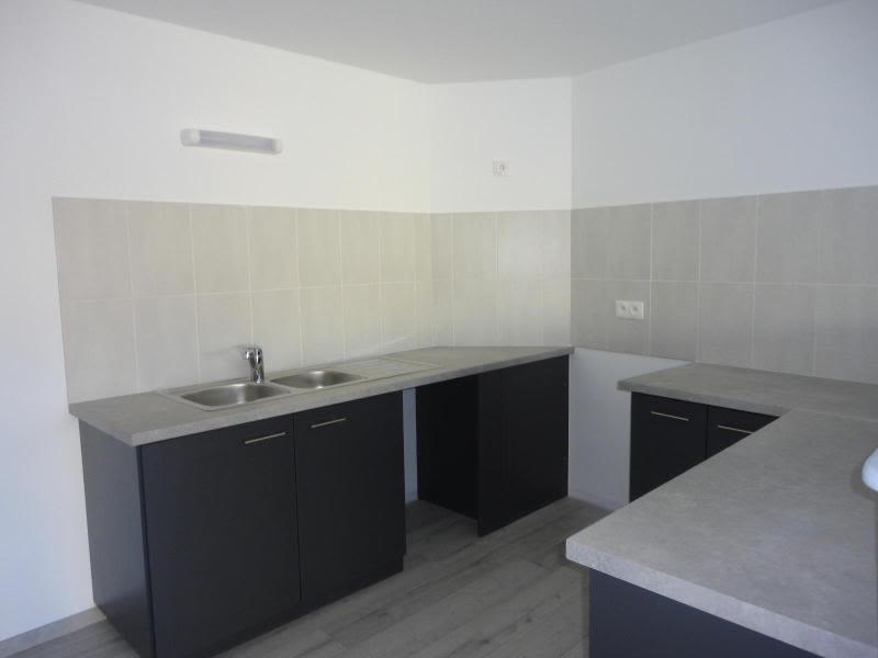 Location appartement Bessenay 795€ CC - Photo 2