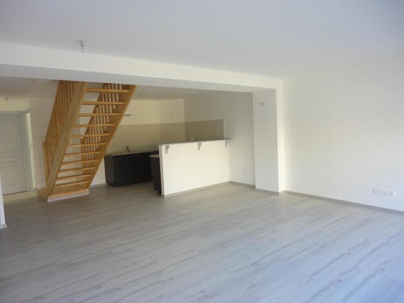 Location appartement Bessenay 795€ CC - Photo 3
