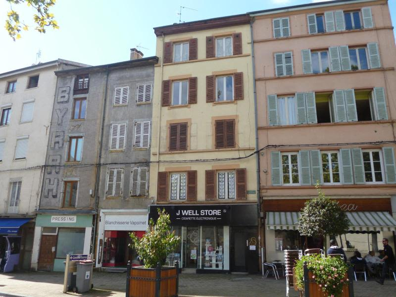 Location local commercial Tarare 475€ HC - Photo 1