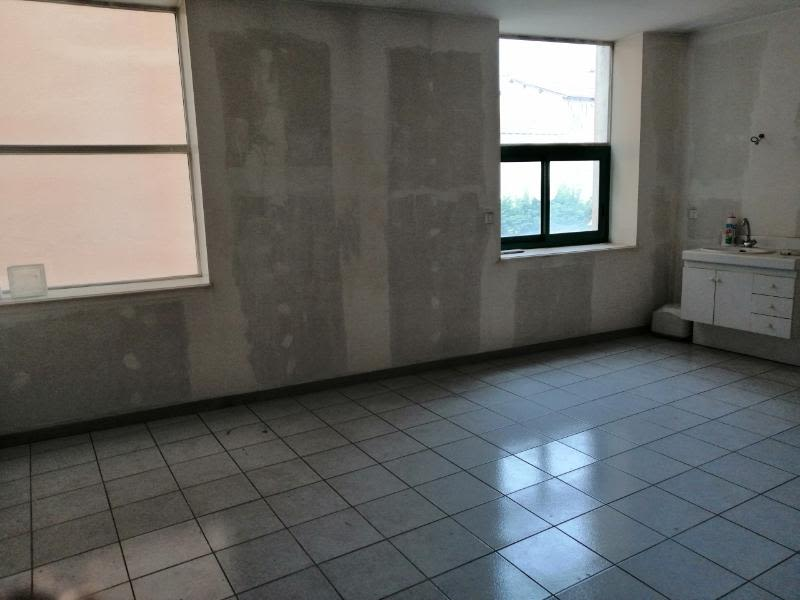 Location maison / villa Tarare 600€ CC - Photo 4