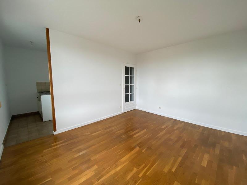 Location appartement Villefranche sur saone 391€ CC - Photo 3