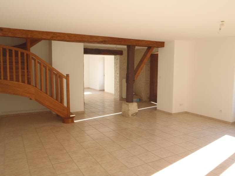 Location maison / villa Chaleins 1 025€ CC - Photo 2