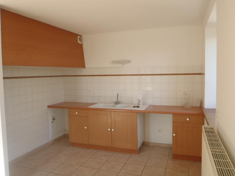 Location maison / villa Chaleins 1 025€ CC - Photo 3