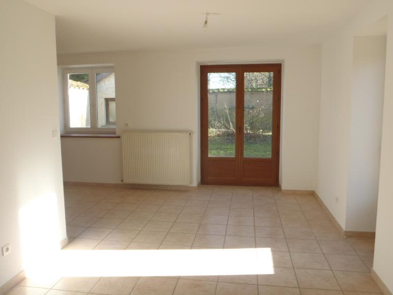 Location maison / villa Chaleins 1 025€ CC - Photo 4