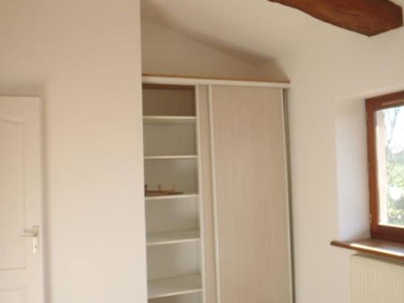 Location maison / villa Chaleins 1 025€ CC - Photo 5