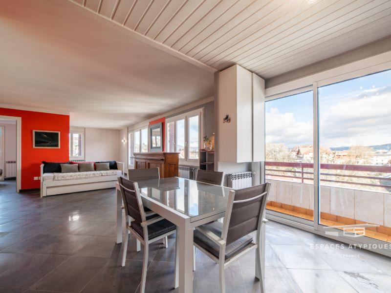 Appartement contemporain avec balcon