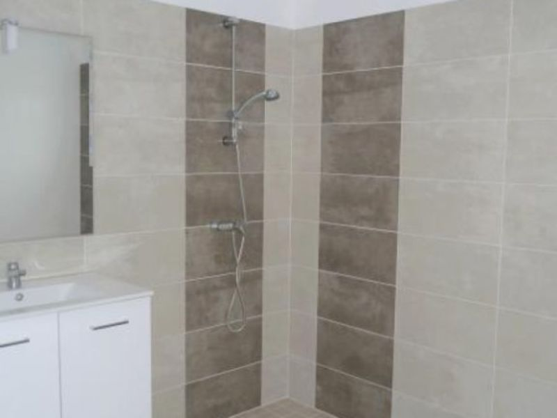 Location maison / villa Gemozac 716€ CC - Photo 5