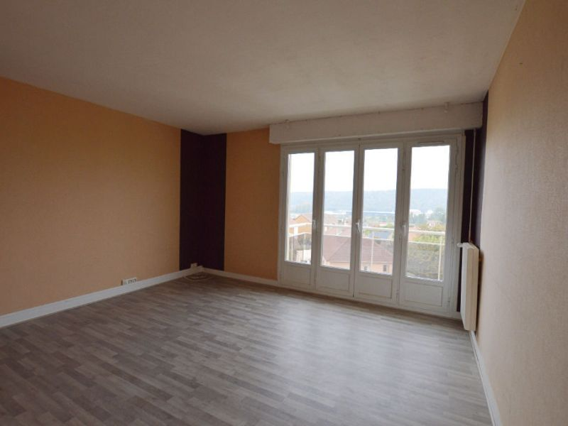 Sale apartment Petit couronne 77 000€ - Picture 1
