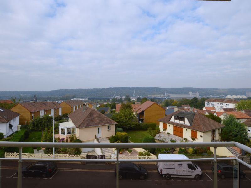 Sale apartment Petit couronne 77 000€ - Picture 2