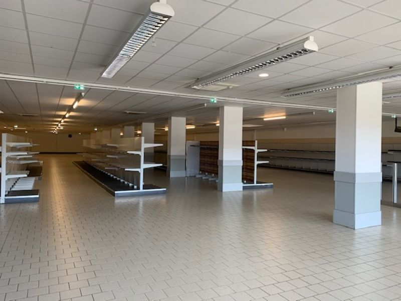 Location local commercial Longuenesse 6 000€ CC - Photo 2