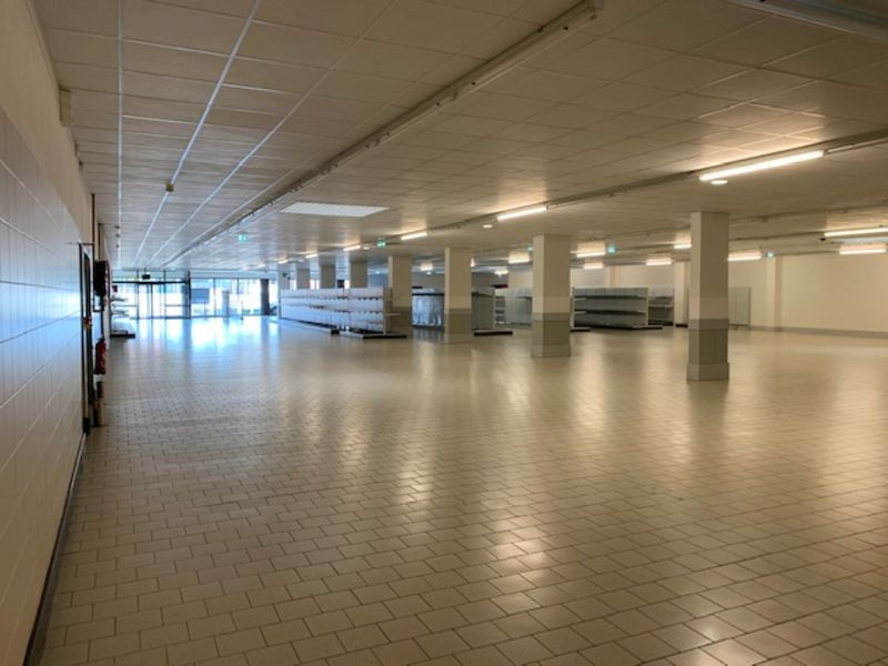 Location local commercial Longuenesse 6 000€ CC - Photo 3