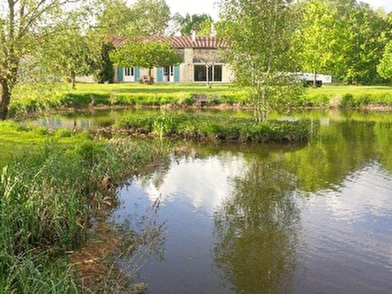 Sale house / villa Saint hilaire la palud 525000€ - Picture 1