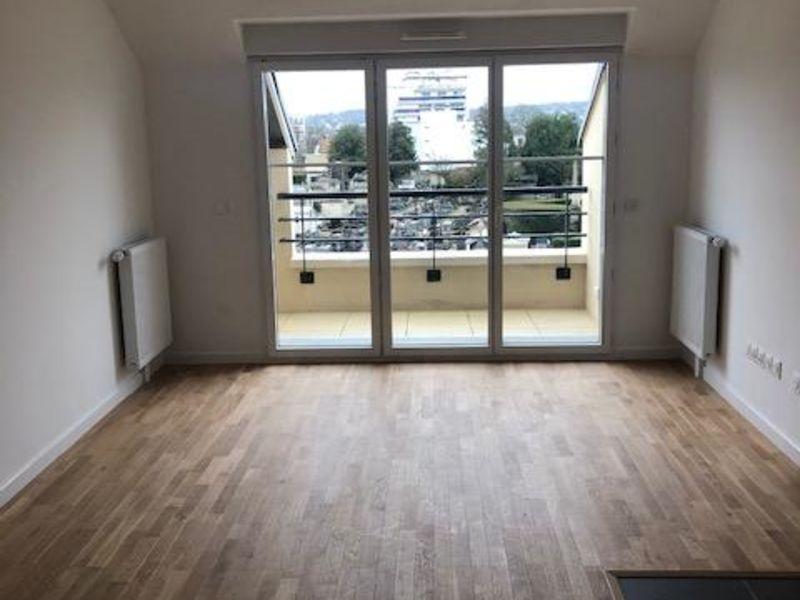 Rental apartment Saint germain en laye 2173€ CC - Picture 1
