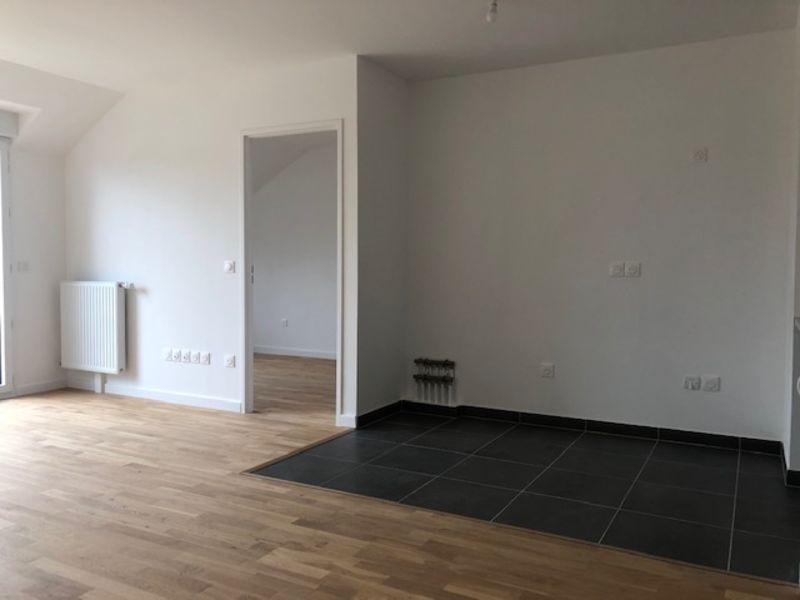 Rental apartment Saint germain en laye 2173€ CC - Picture 2