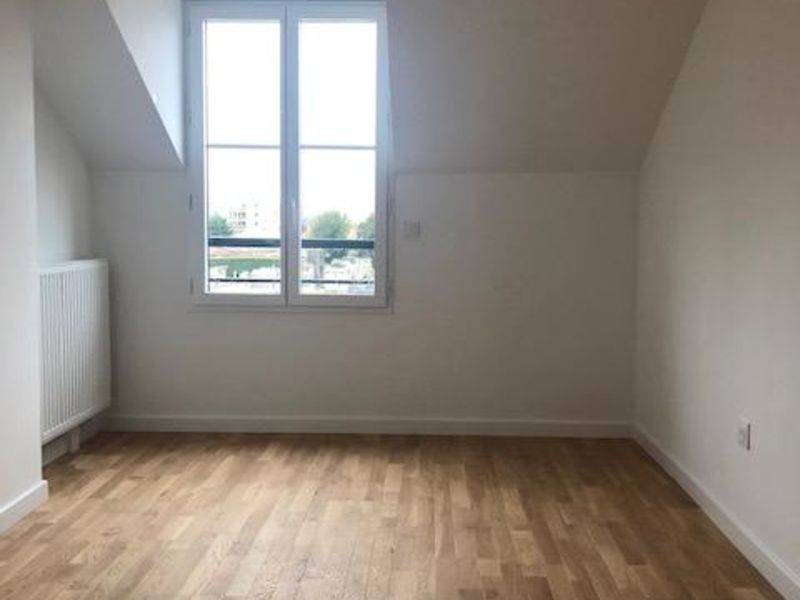 Location appartement Saint germain en laye 2 173€ CC - Photo 3