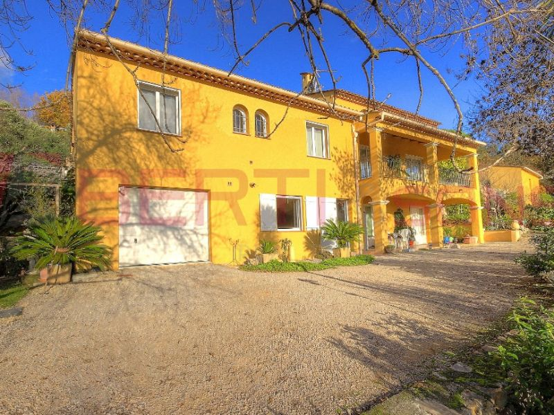 Sale house / villa Montauroux 695000€ - Picture 1
