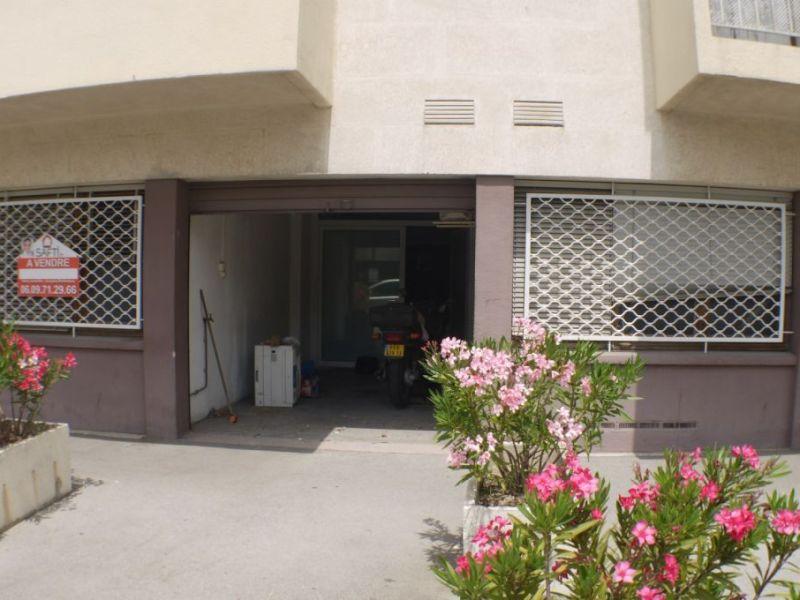 Sale empty room/storage Marseille 115000€ - Picture 2