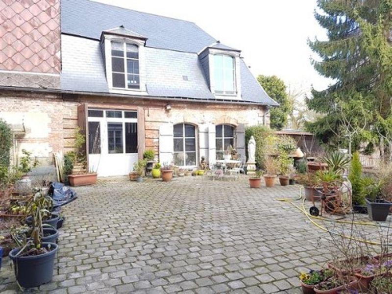 Sale house / villa Aumale 420000€ - Picture 1