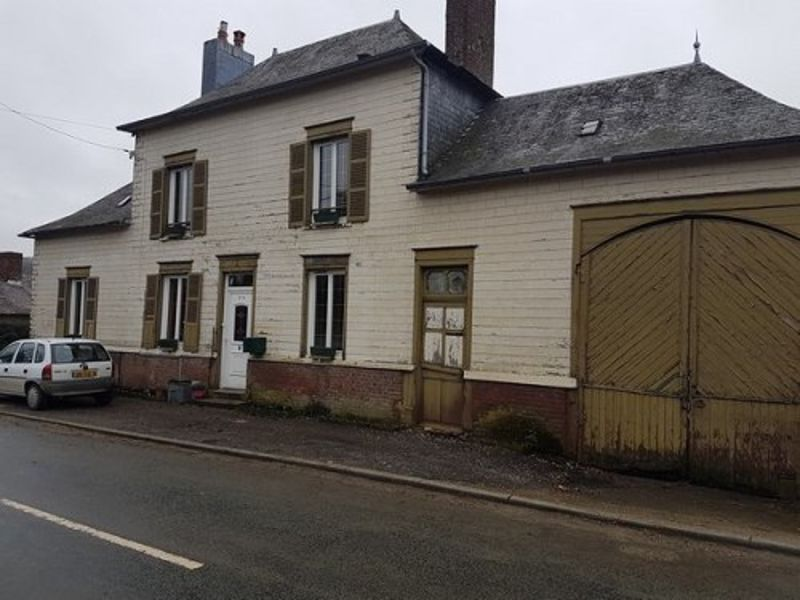 Sale house / villa Formerie 107 000€ - Picture 1