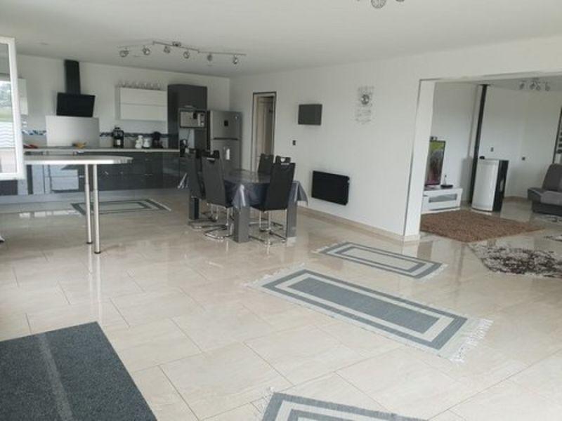 Sale house / villa Poix de picardie 240000€ - Picture 2