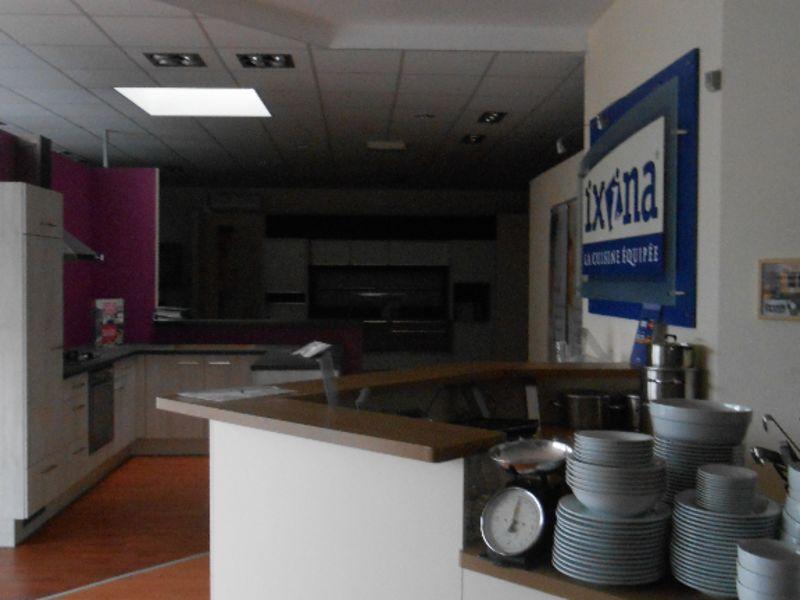 Location local commercial Quimper 3750€ HC - Photo 5