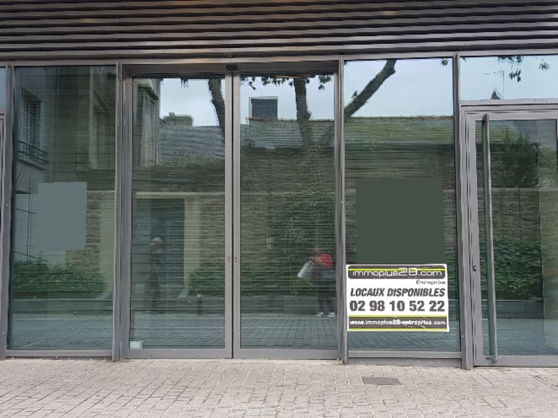 Location local commercial Quimper 3425€ CC - Photo 1