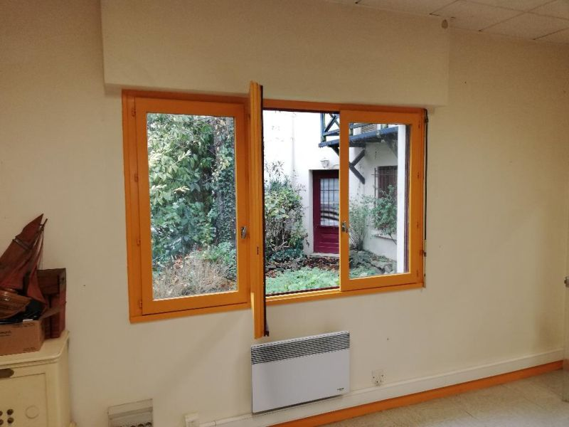 Location bureau Quimper 550€ CC - Photo 1