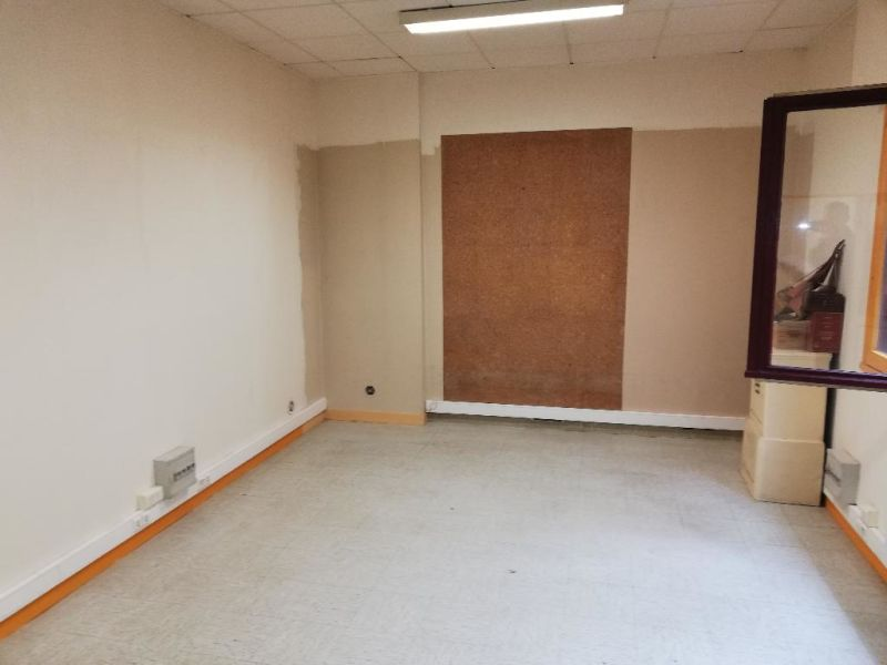 Location bureau Quimper 550€ CC - Photo 2