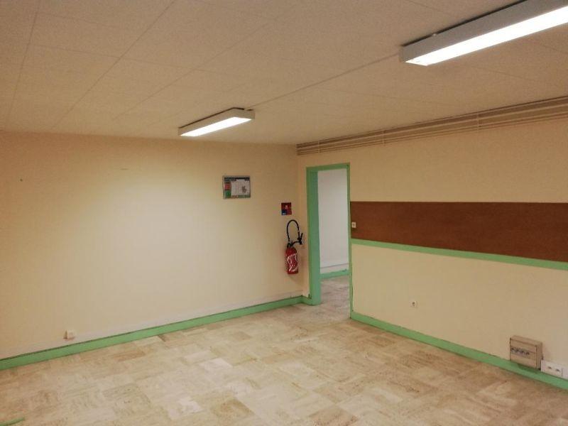 Location bureau Quimper 550€ CC - Photo 3