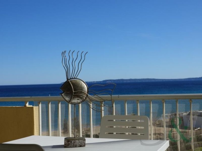 Deluxe sale apartment Le lavandou 315 000€ - Picture 1