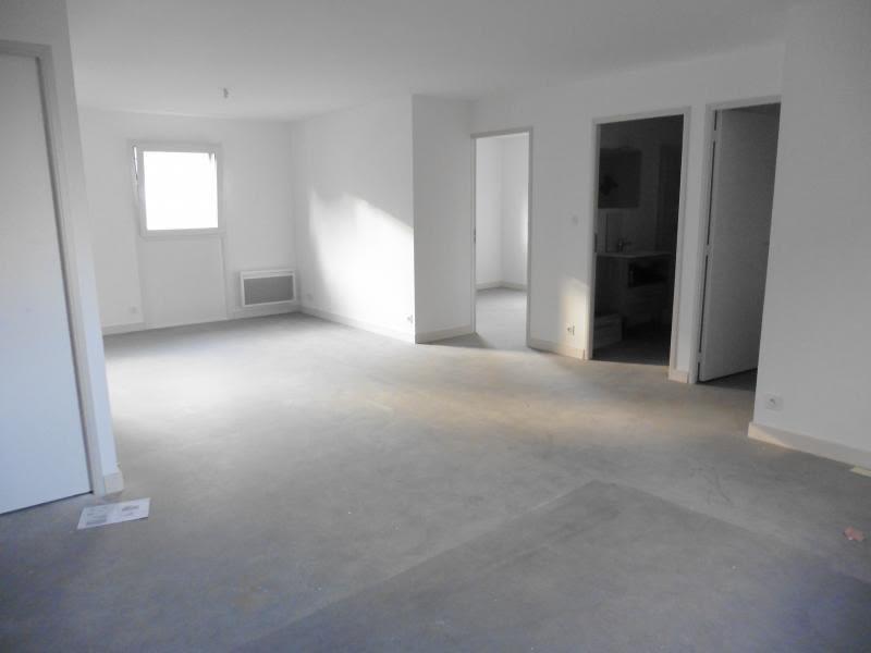Rental apartment Lannilis 525€ CC - Picture 2