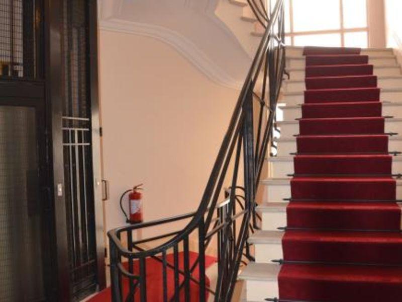 Sale apartment Neuilly sur seine 2470000€ - Picture 2