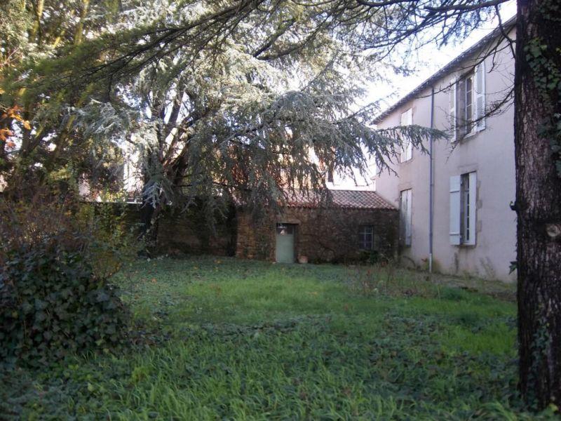 Sale house / villa Montaigu 660000€ - Picture 5