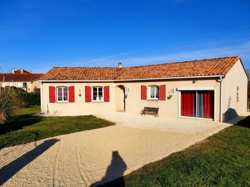 Sale house / villa Touvérac 147000€ - Picture 1